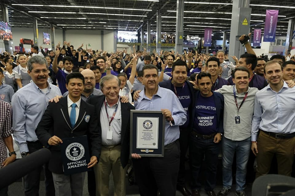 Guinness Record: The world's Largest Robotics Class