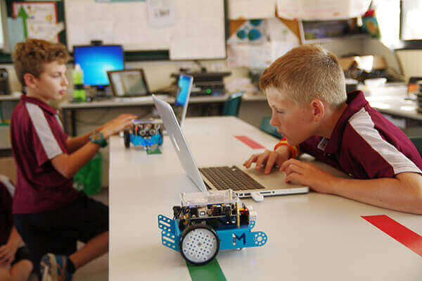 Five Reasons to Get Your Kids to Play with Coding Robots