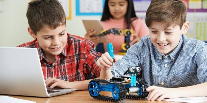 Robots for kids start learning to code